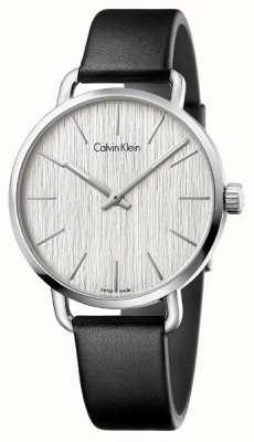Calvin Klein Frauen sogar schwarzes Lederarmband silbernes Zifferblatt K7B211C6