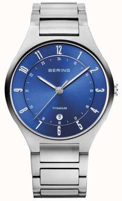 Bering Herrenarmband aus Titangrau mit blauem Zifferblatt, Ex-Display 11739-707EX-DISPLAY