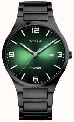 Bering Herrenuhr mit grünem Zifferblatt aus Titan 15240-728